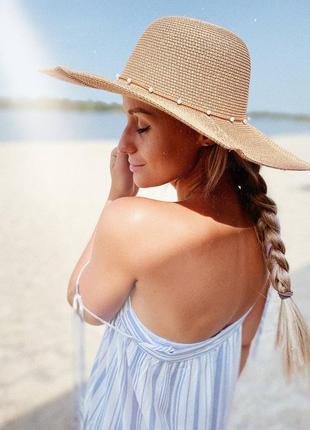 Соломенная шляпка с жемчужинками