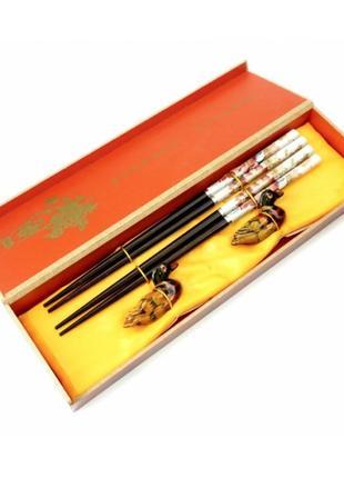 Набор палочек для еды суши 2 шт+2 подставки в подарочной упаковке