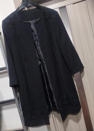 Подовжений піджак жакет тренч з аплікацією мереживо