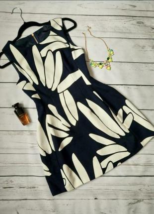 Шикарное платье в цветочный принт от new look размер s