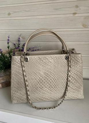 Женская сумка натуральная кожа классическая бежевая хакиgenuine leather италия для работы с короткими ручками на плечо зелёная светлая