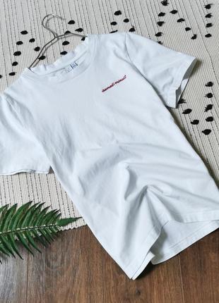 Базова біла футболка з маленькою вишивкою  &базова біла футболка з маленькою вишивкою  &other stories  белая хлопок хлопковая