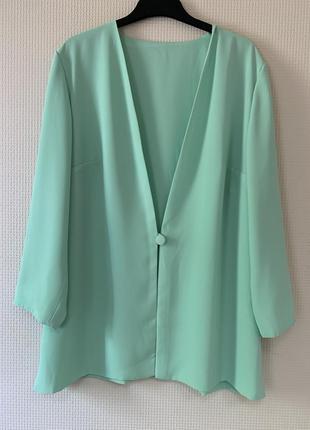Нежный пиджак большого размера