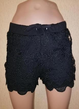 Красивые короткие женские трикотажные черные женские шорты с кружевом 12 р. atmosphere