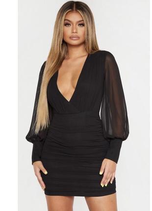 Очень нарядное платье prettylittlething чёрного цвета
