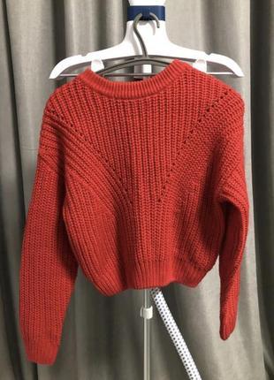 Продам красный свитер h&m