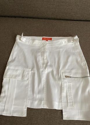 Атласная белая юбка