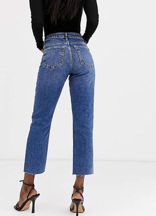 Стильные джинсы мом denin co straight high waist с необработаным краем