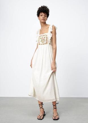 Платье миди в цветочный принт zara🤤