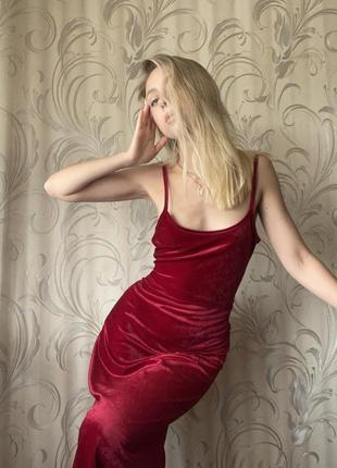 Красное платье комбинация