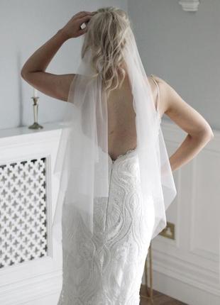 Весільна фата (кінський хвіст) дуже модна в цьому сезоні.