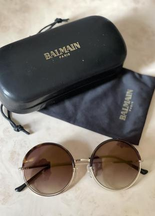 Очки от солнца balmain оригинал.