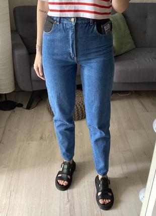 Высокие винтажные джинсы мом