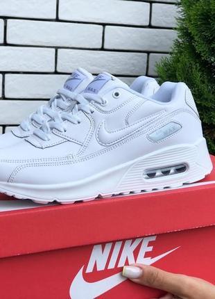 Белые женские кроссовки удобные nike5 фото