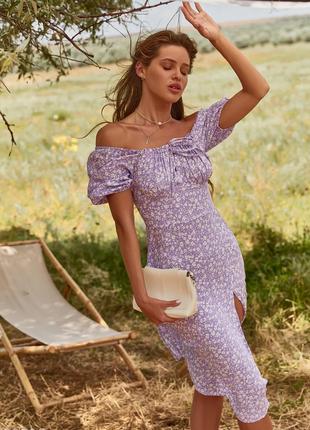 Трендовое летнее платье в цветочек