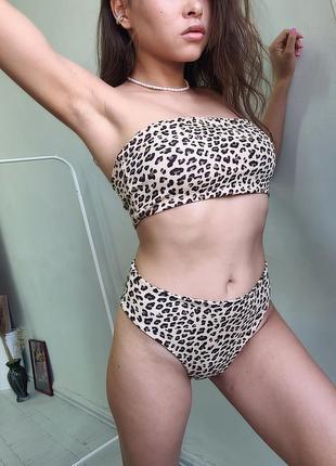 Купальник-бандо в леопардовый принт