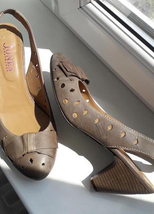 Нат.кожа туфли р.38  туфлі  мешти  босоніжки
