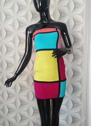 Сукня колір