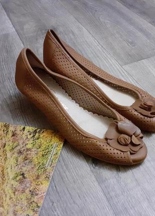 Балетки на невысоком каблуке