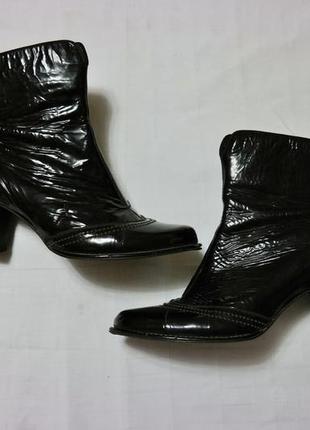Осенние ботиночки кожа лак