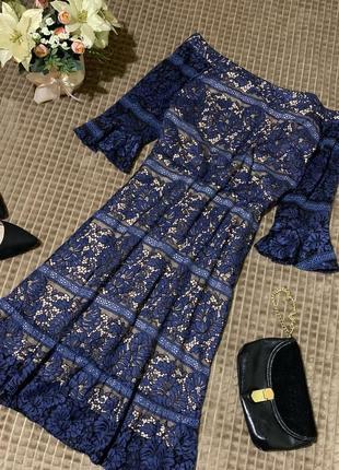 Шикарна мереживна сукня oasis