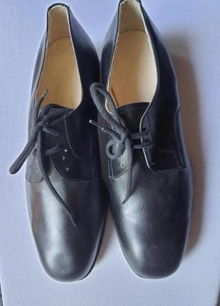 Новые английские полностью  кожаные туфли derisi 42 р.