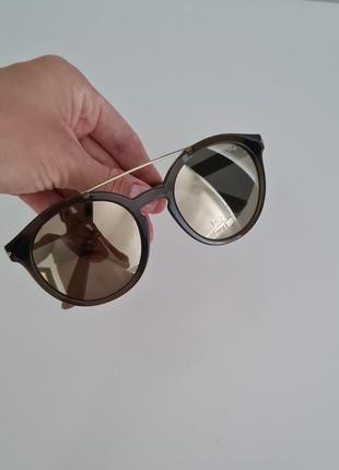 Оригінальні сонцезахисні окуляри vogue