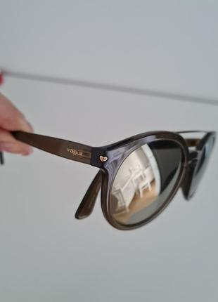 Оригінальні сонцезахисні окуляри vogue4 фото