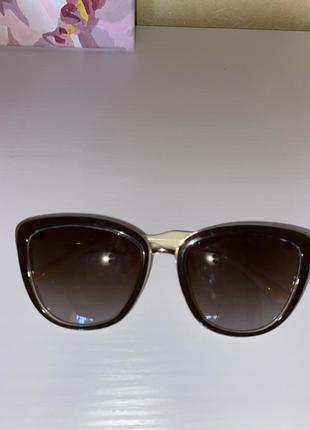 Женские солнцезащитные очки коричневые стекла