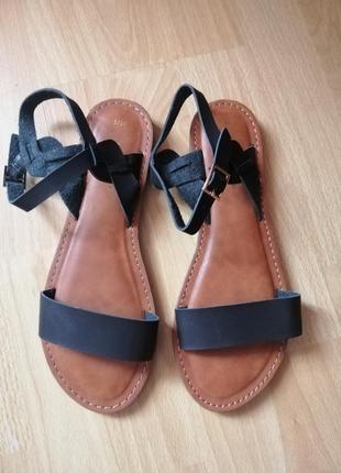 Кожаные сандалии 37-38р