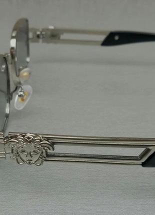 Versace стильные солнцезащитные очки унисекс светло серые в серебристом металле4 фото