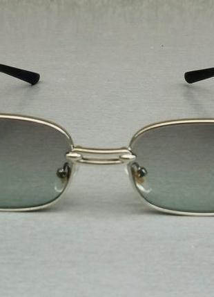 Versace стильные солнцезащитные очки унисекс светло серые в серебристом металле2 фото