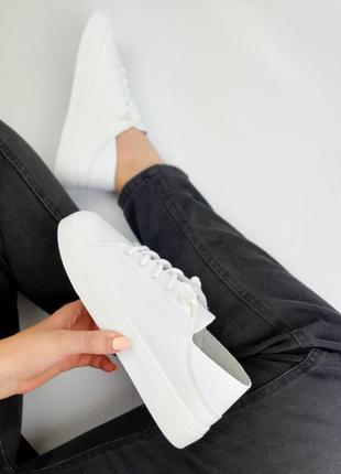 Кроссовки белые женские хит сезона квадратный носик