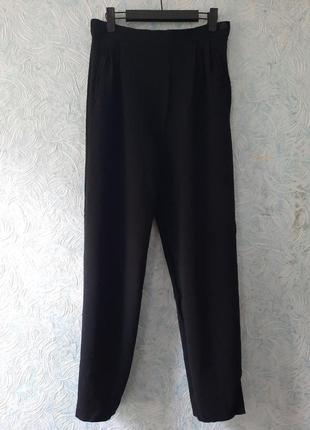 Шерстяные брюки с защипами jaeger
