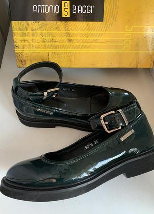 Лаковая кожа туфли в стиле mary jane
