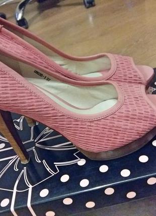 Шикарные туфли 37 рамер