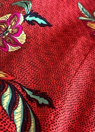 Актуальное миди платье в цветочный принт3 фото