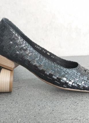 Кожаные фирменные женские туфли от ara- 36.5 р- новые