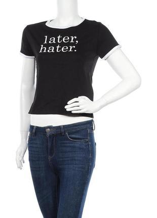 Укороченная футболка с модной надписью fb sister