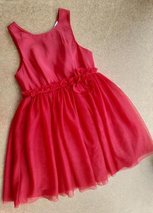 Нарядное яркое красное платье с пышной фатиновой юбкой 4-5 лет