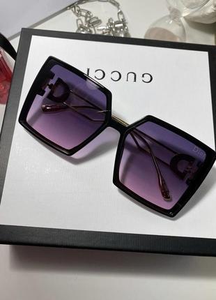 Брендовые солнцезащитные очки квадраты