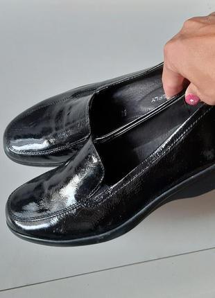 Брендовые туфли кожаные черные на танкетке мокасины