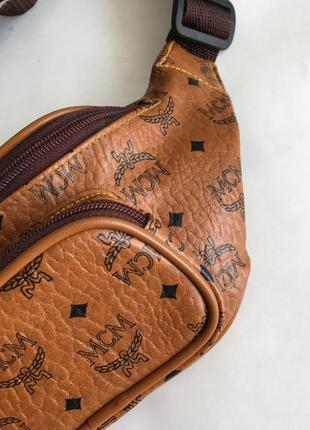 Кожаная монограмм сумочка сумка бананка на пояс mcm2 фото