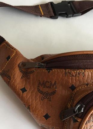 Кожаная монограмм сумочка сумка бананка на пояс mcm3 фото
