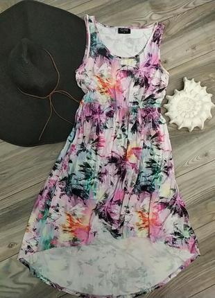 Красивое летнее платье в тропический принт