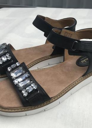 Кожаные босоножки сандалии clarks artisan