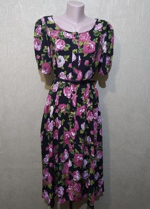 Платье-халат с принтом роз, ретро винтаж.