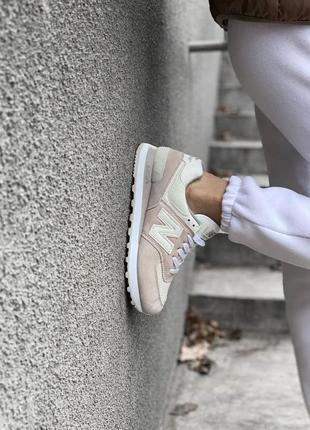 New balance 574🆕женсике замшевые кроссовки нью беланс 573🆕дышащие бежывые с белым3 фото