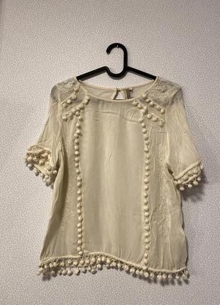 Блуза с вышивкой и помпонами / большая распродажа!