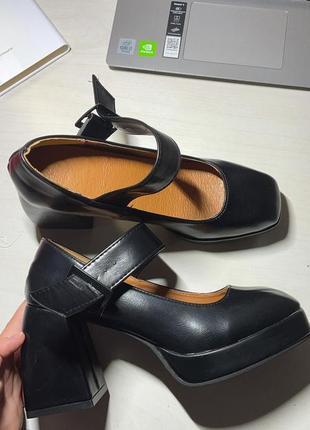 Неймовірні туфлі у стилі джейн ейр